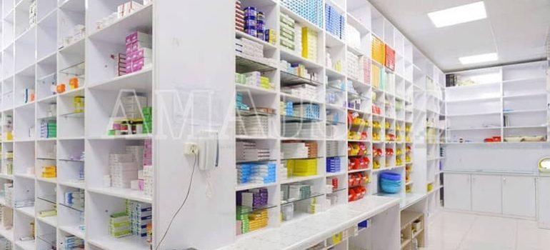 نکات مهم در طراحی دکوراسیون داروخانه شبانه روزی - آماج ساز